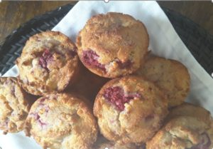 Low Carb Raspberry and Macadamia Muffins