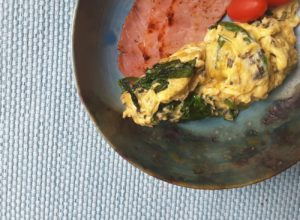 Scrambled Eggs with Cheese and Spinach