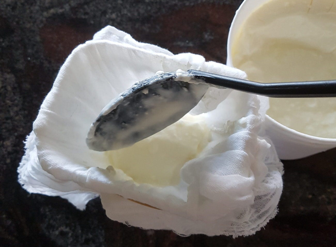 Making Natural and Greek Yoghurt