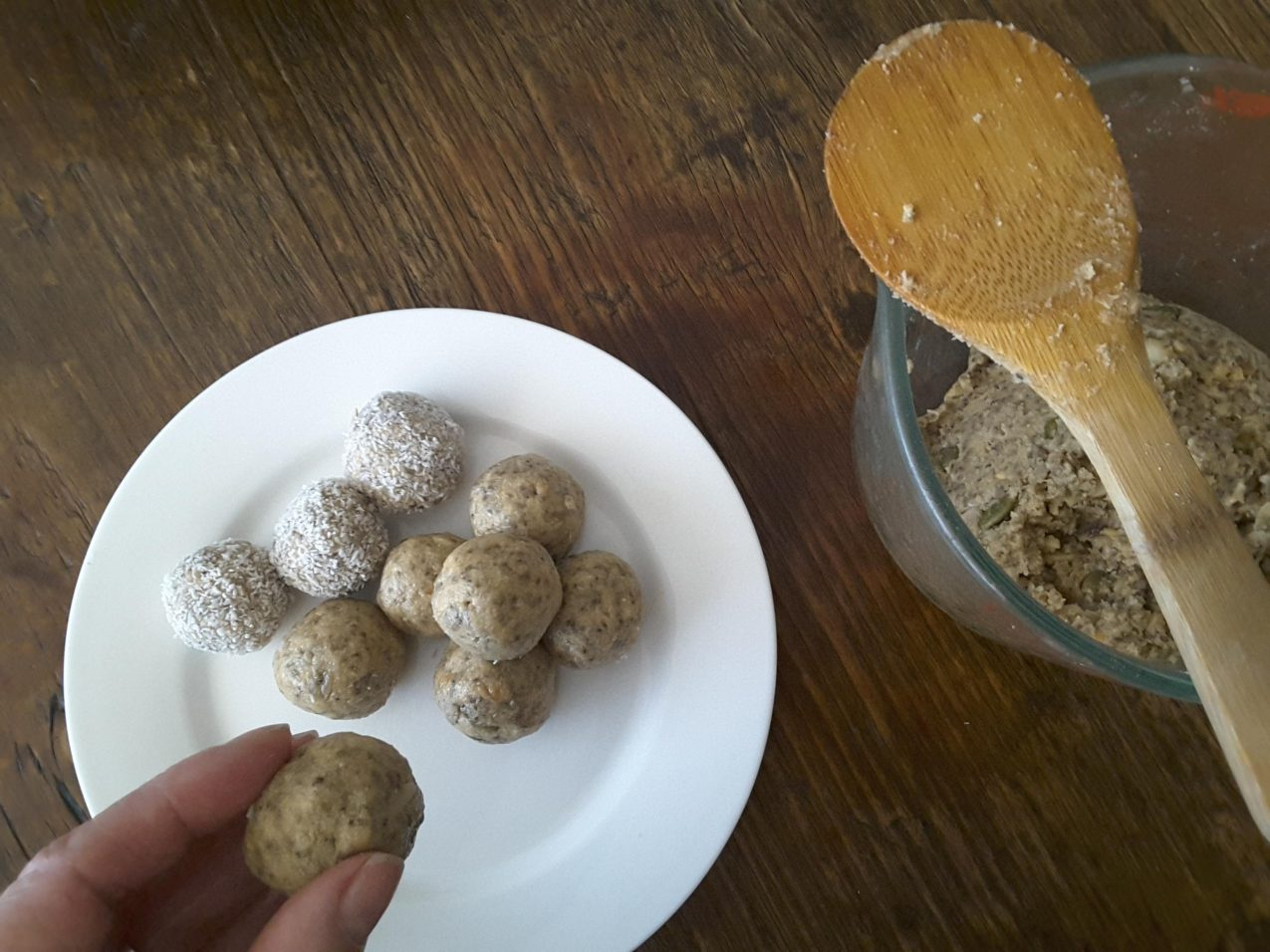 Low Carb Peanut Butter Protein Bliss Balls