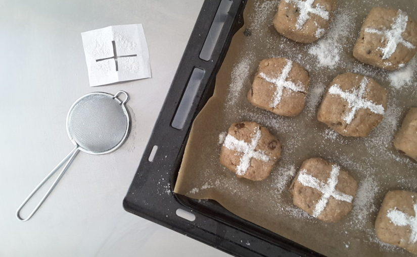 Low Carb Keto Hot Cross Buns