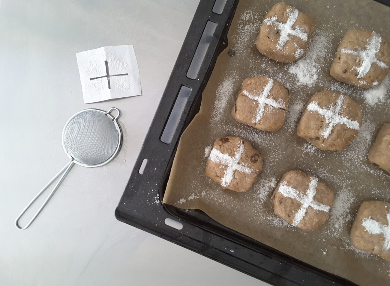 Low Carb Hot Cross Buns