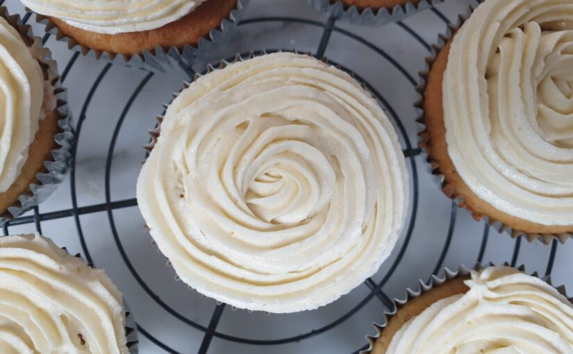The Best Keto Vanilla Cupcakes