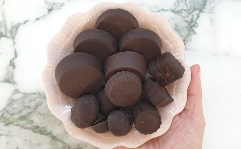 Keto Caramel Chocolate Cups